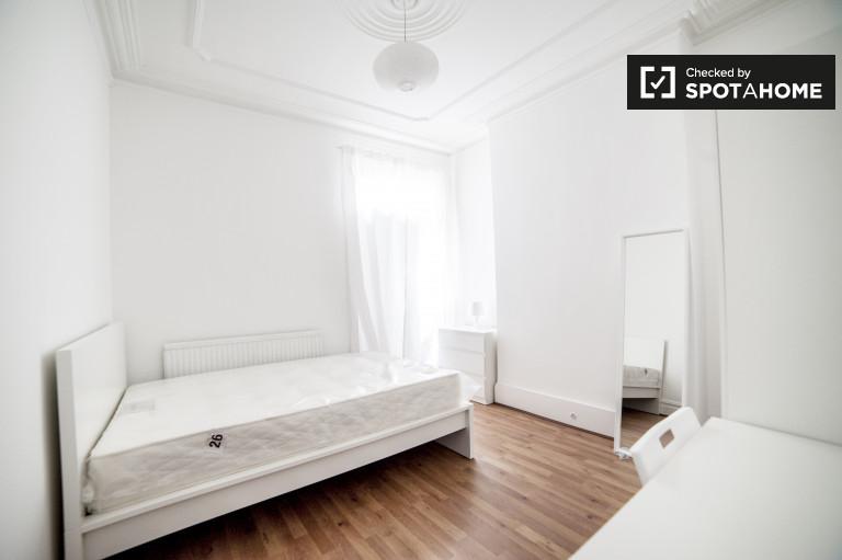 Chambre sophistiquée en appartement à Wood Green, Londres