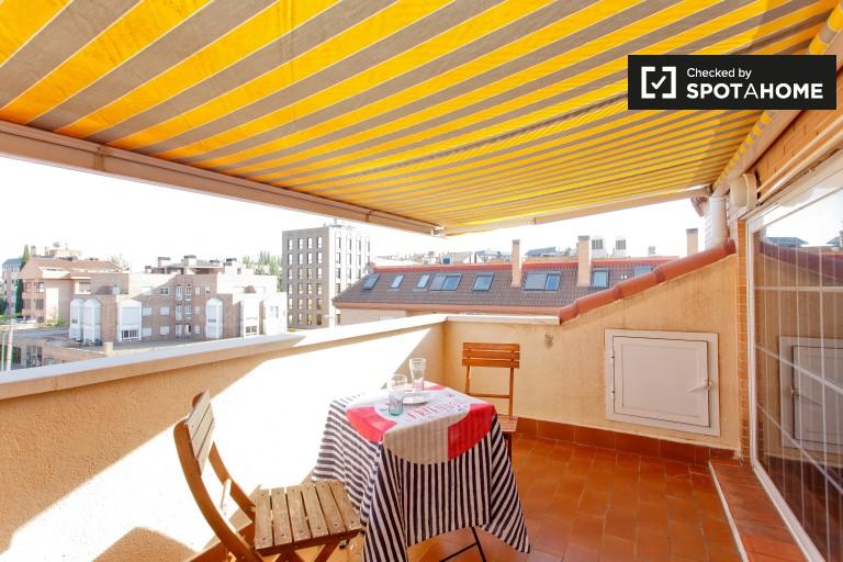 Monolocale in affitto a Arturo Soria, Madrid