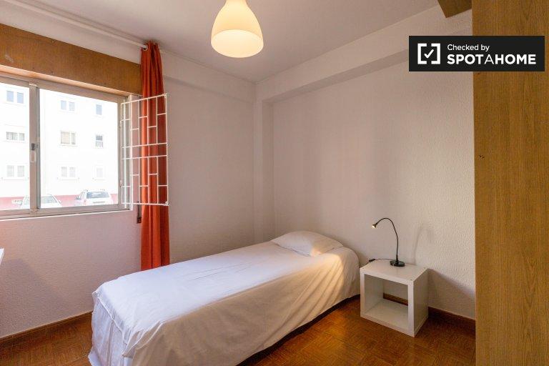 Pokój jednoosobowy do wynajęcia, apartament z 4 sypialniami, Costa Da Caparica