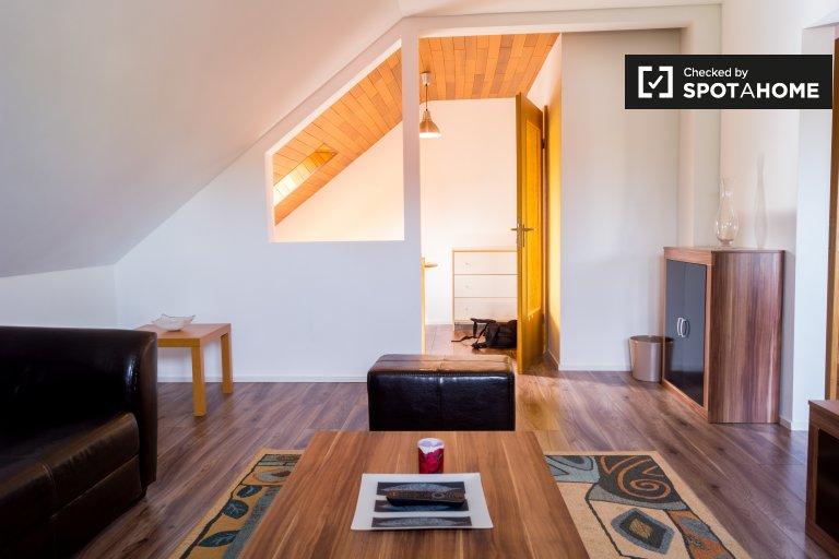 Encantador apartamento de 2 dormitorios en alquiler en Neukölln, Berlín
