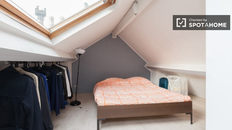 Room 5- Attic Bedroom with Double Bed on Third Floor
