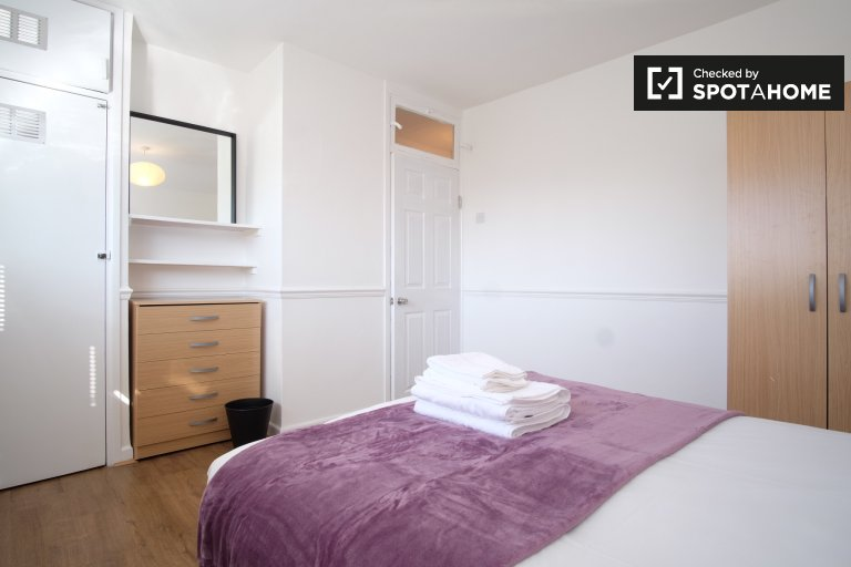 Modern 3-bedroom apartment to rent in Shoreditch, London