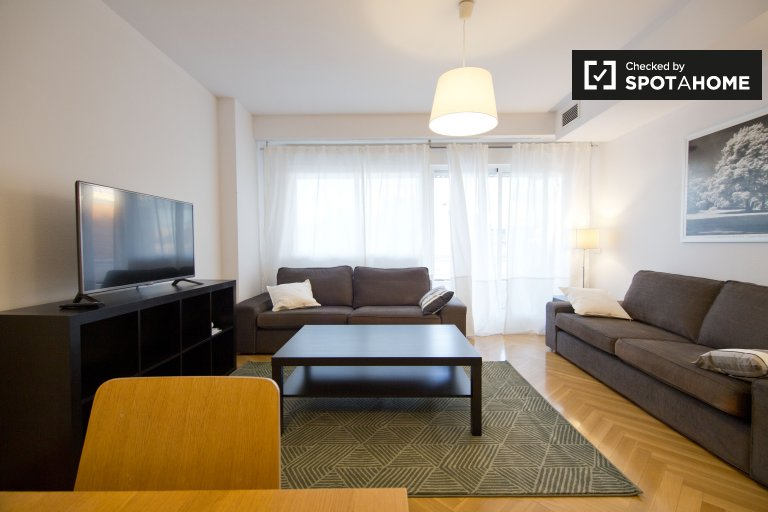 Furnished 3-bedroom apartment for rent in Alcobendas. Madrid