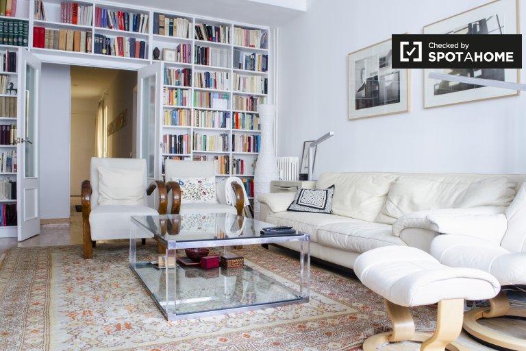 3-bedroom apartment for rent in Rios Rosas, Madrid