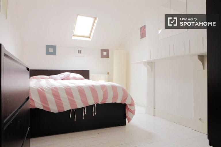 Bedroom 2 - Great room in central EU area, Place Jourdan