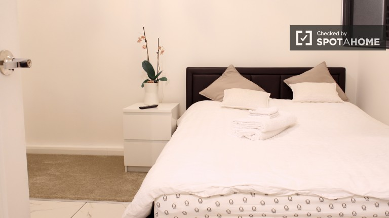 Bedroom 3 - Double Bed, Private Kitchen
