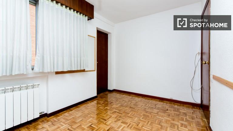 Exterior Single Room (Room 1)