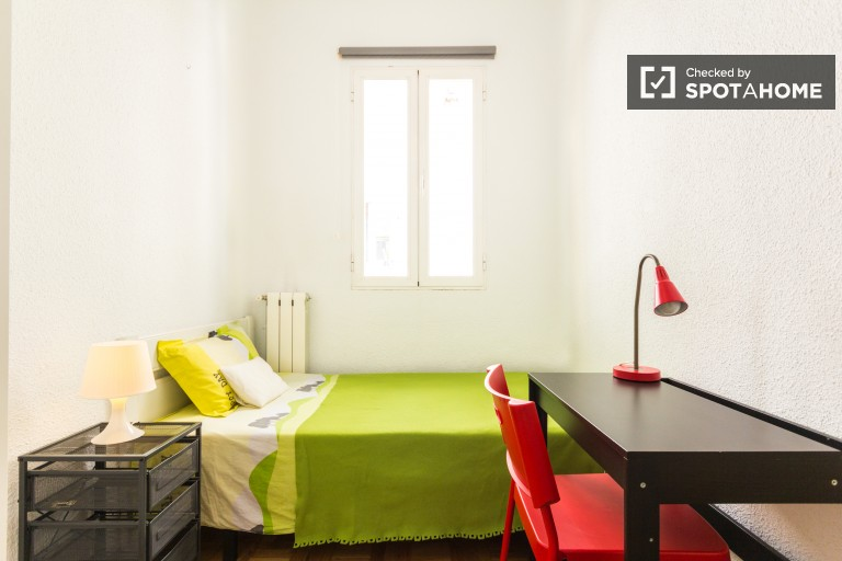 Single Bed in Rooms for students in fantastic neighborhood, Almagro and Trafalgar district