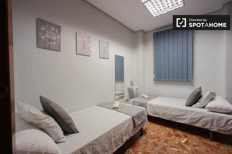 Cómoda habitación en alquiler, apartamento de 3 dormitorios, L'Olivereta
