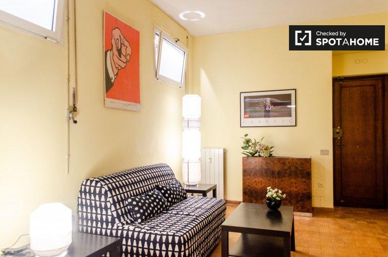 Retro 1-bedroom apartment for rent in Tor di Quinto, Rome