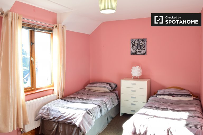 Twin Beds in Beds to rent in a shared room in a 5-bedroom house with garden in Clondalkin