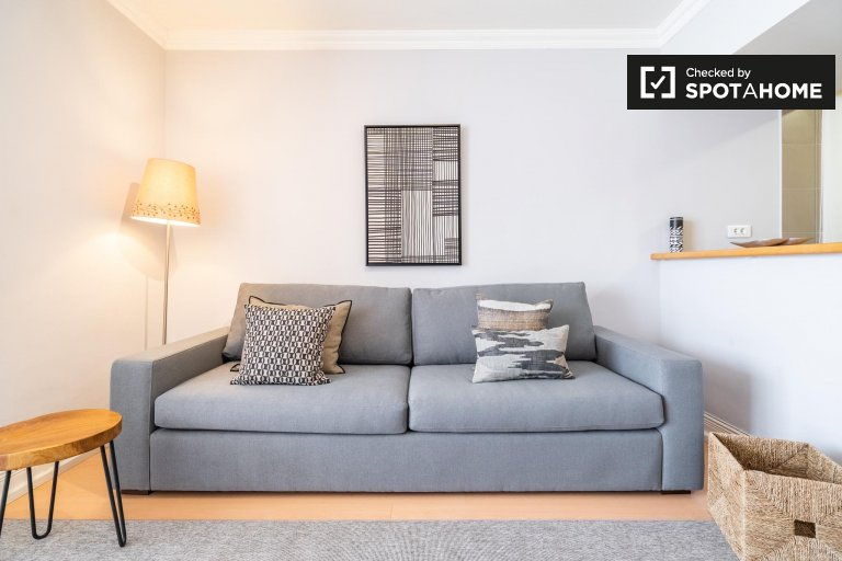 Moderne 1-Zimmer-Wohnung zur Miete in Estoril, Lissabon