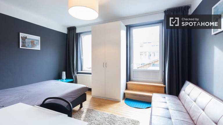 Bedroom 32 - large bed