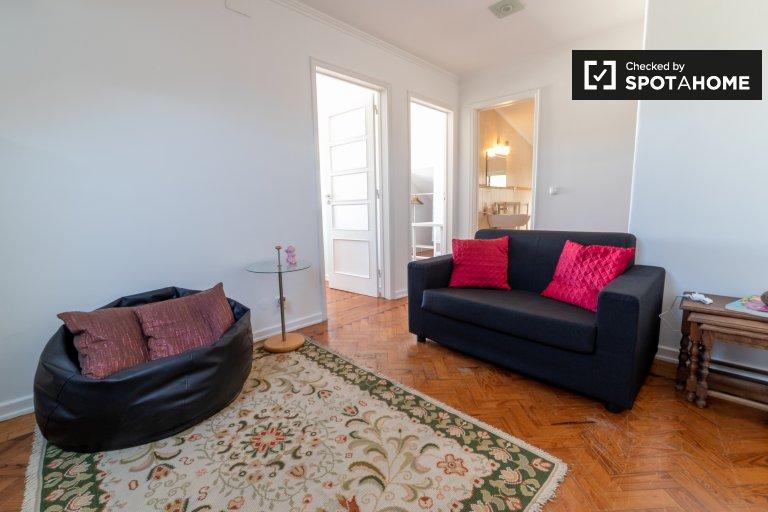 Trafaria, Lizbon kiralık zarif 1 yatak odalı daire