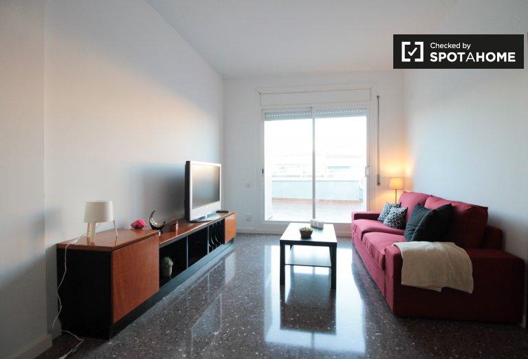 Espaçoso apartamento de 4 quartos para alugar em Barcelona.