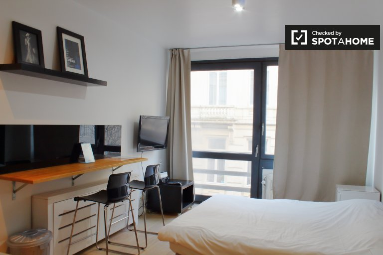 Acolhedor apartamento de estúdio para alugar em Ixelles, Bruxelas