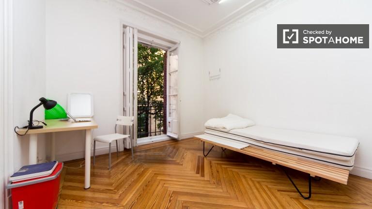 Exterior single room