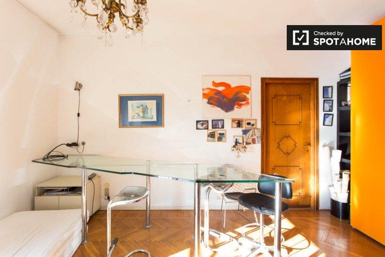 Habitación luminosa en alquiler en apartamento de 2 dormitorios, Città Studi