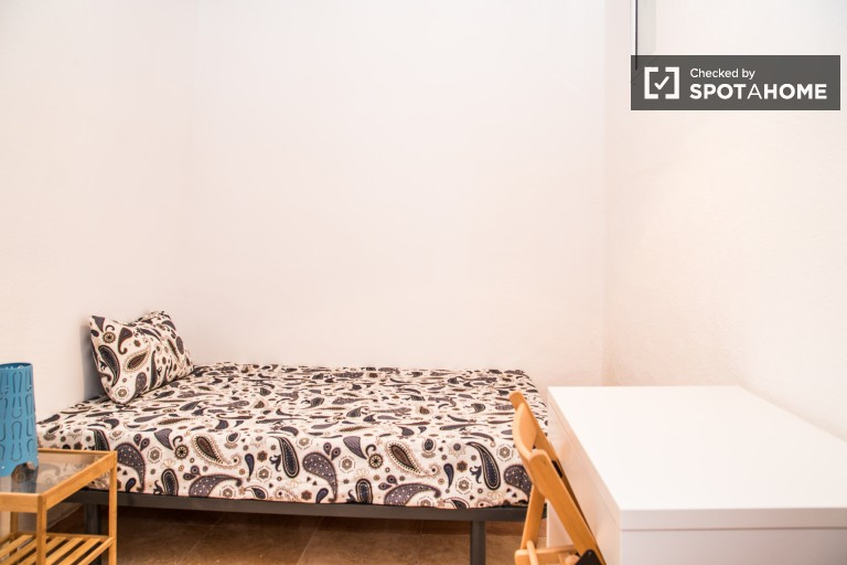 Interior room in shared apartment in El Raval, Barcelona