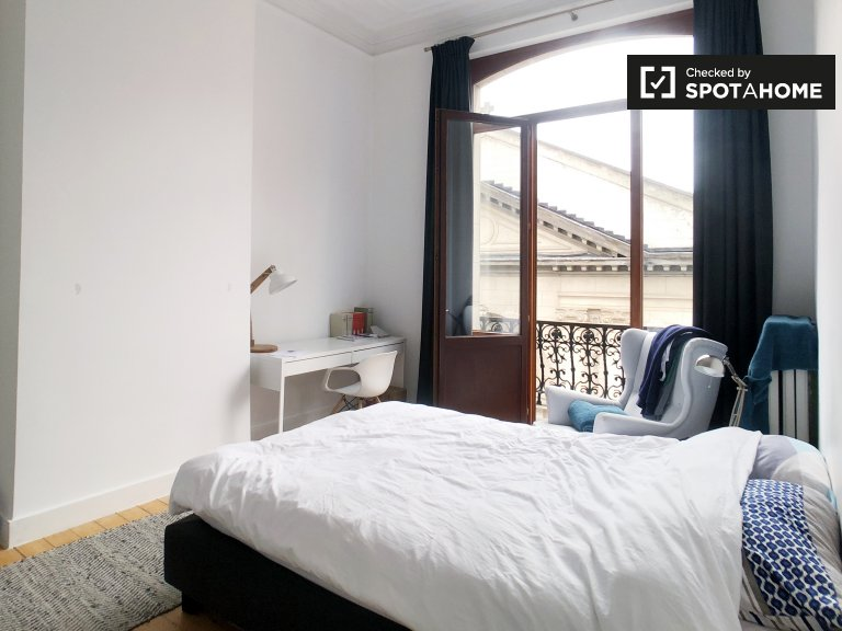 Furnished room in shared apartment in Brussels