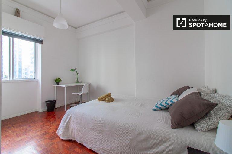 Sala aberta em apartamento com 9 quartos nas Avenidas Novas, Lisboa