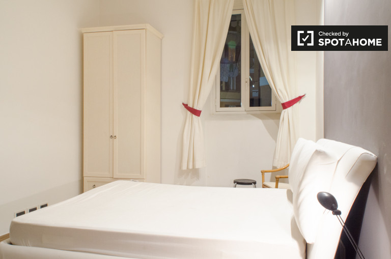Double Bed in Rooms for rent in a modern and stylish 3-bedroom apartment in San Giovanni