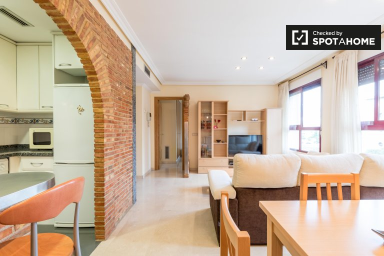 Impressionante apartamento de 1 quarto com piscina para alugar em Campanar