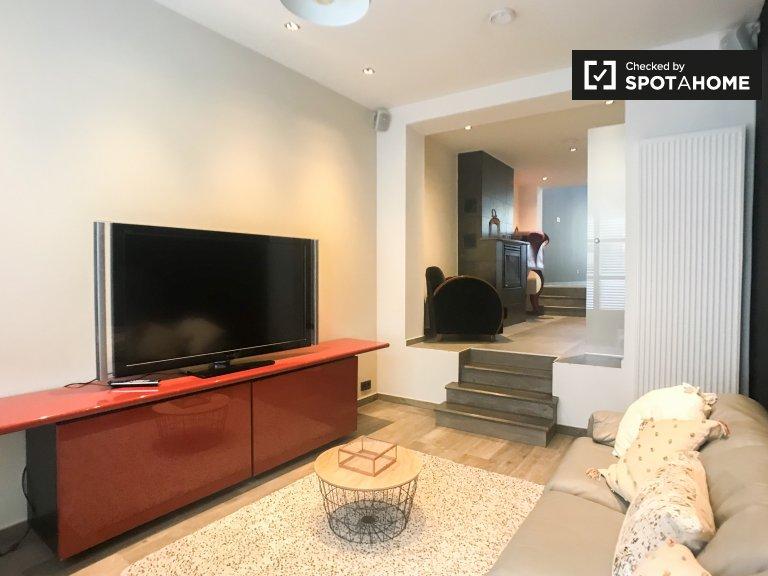 Uccle, Brüksel'de kiralık modern 3 yatak odalı ev