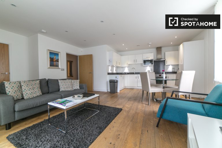 3-bedroom apartment to rent in Greenwich, London