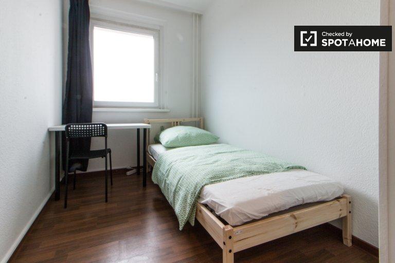 Quarto individual para alugar em apartamento de 5 camas, Lichtenberg, Berlim