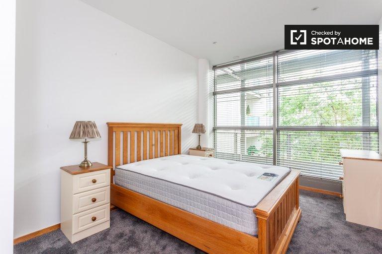 Zimmer in 2-Zimmer-Wohnung zur Miete in der nördlichen Innenstadt