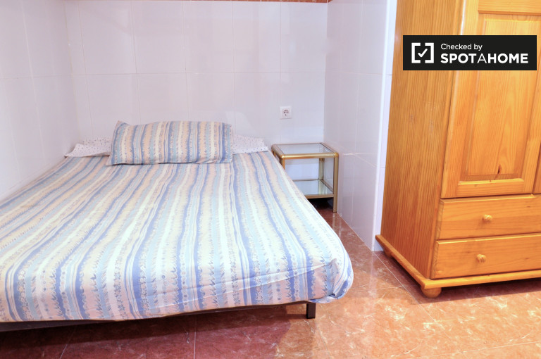 Studio with AC for rent in Collbanc, Hospitalet, Barcelona