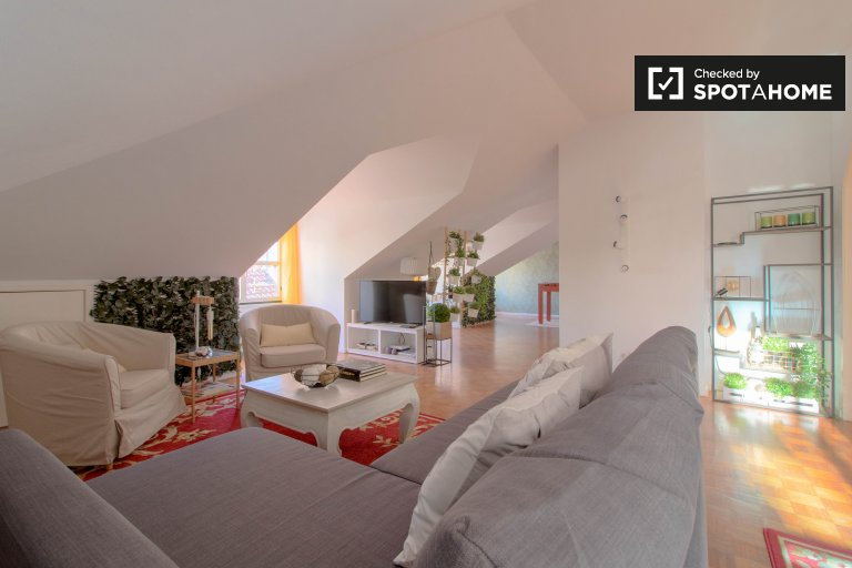 Stylish 3-bedroom apartment for rent in Bairro Alto, Lisboa