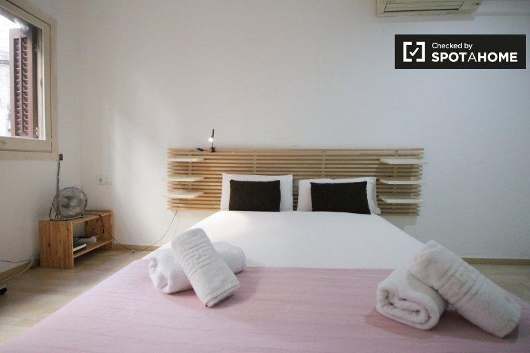 Monolocale ristrutturato in affitto a El Raval, Barcellona
