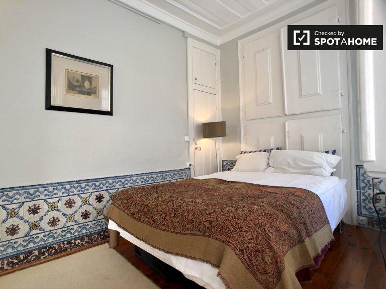 Quarto para alugar em apartamento de 2 quartos na Lapa, Lisboa
