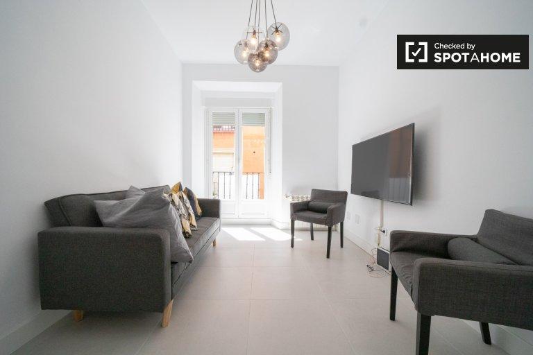 Appartement moderne de 4 chambres à louer à Malasaña, Madrid