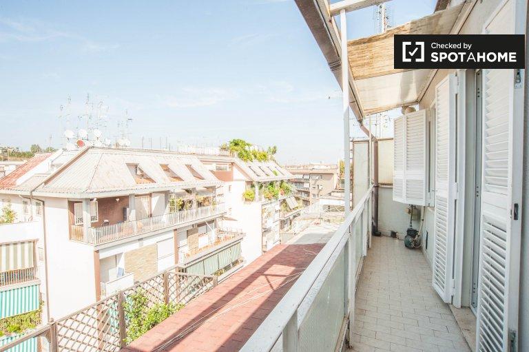Precioso y luminoso apartamento estudio en alquiler en Cipro