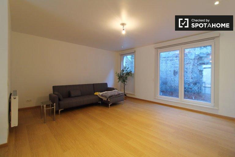 Se alquilan habitaciones en casa de 4 dormitorios en Etterbeek