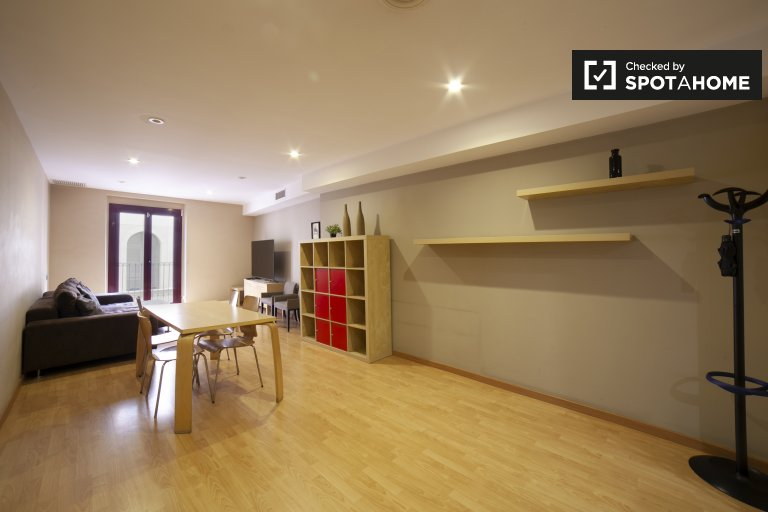 3-bedroom apartment for rent in Ciutat Vella, Barcelona