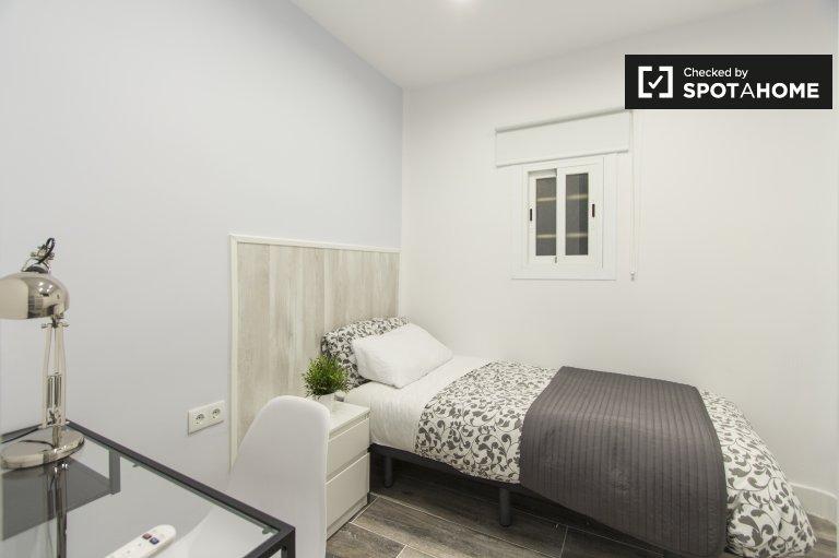 5 yatak odalı daire, Retiro, Madrid'de rahat oda