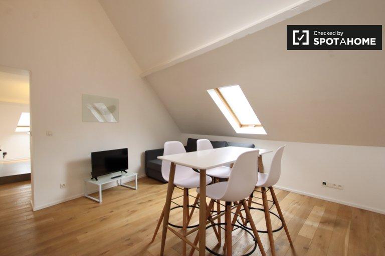 Elegant studio apartment for rent in Brussels' City Center
