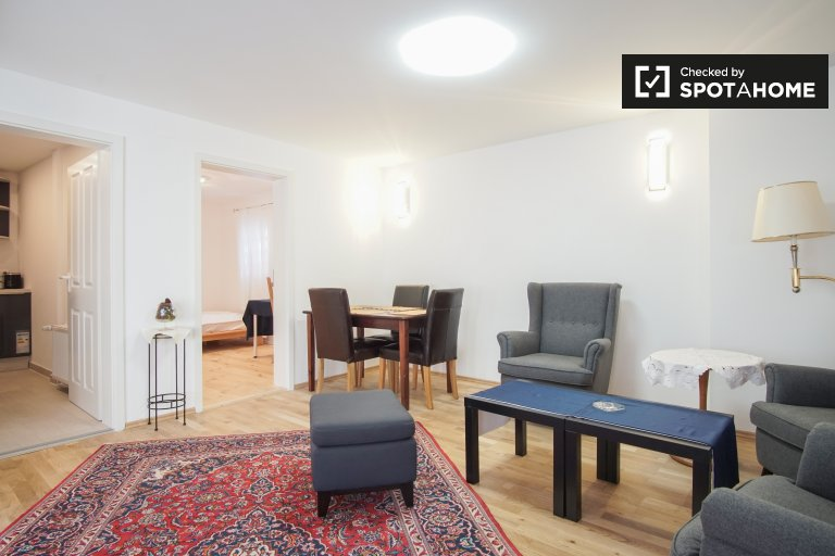 Cozy 3-bedroom apartment for rent in Tiergarten, Berlin