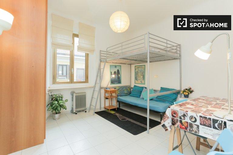 Monolocale in affitto a Porta Vittoria, Milano