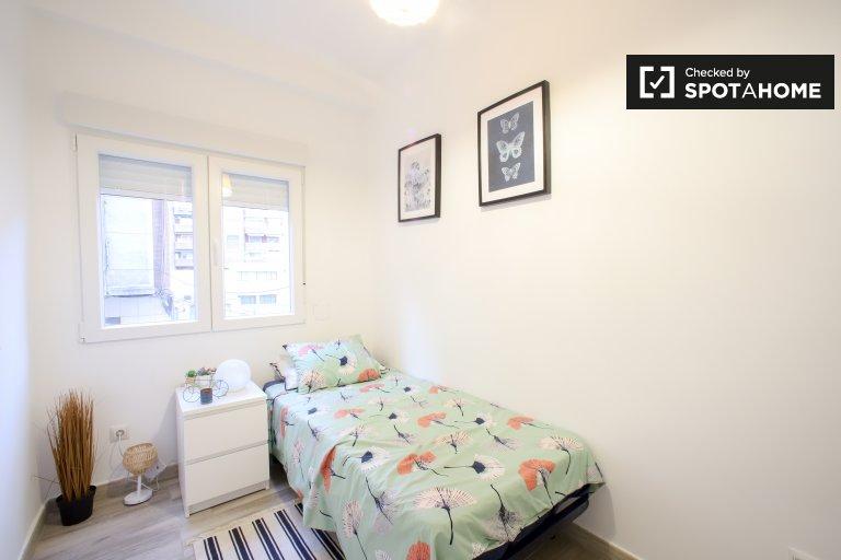 Quarto para alugar, apartamento de 3 quartos, Quatre Carreres