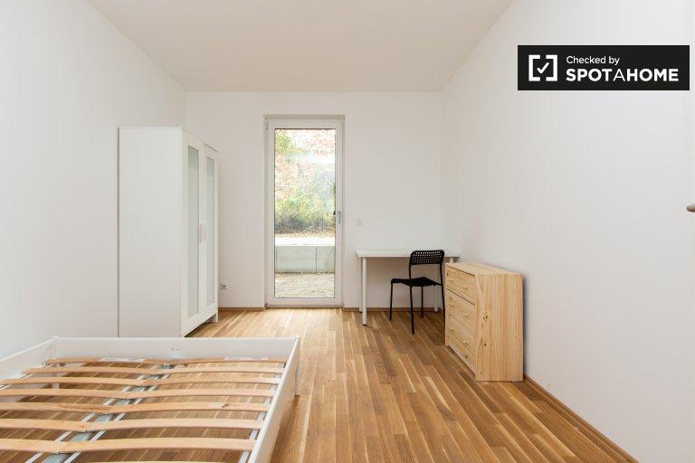 Pokoje do wynajęcia w 3-pokojowym mieszkaniu w Treptow-Köpenick