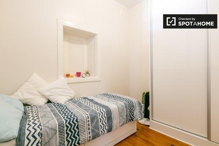 Gemütliches Zimmer zu vermieten, 4-Zimmer-Wohnung, Campo de Ourique