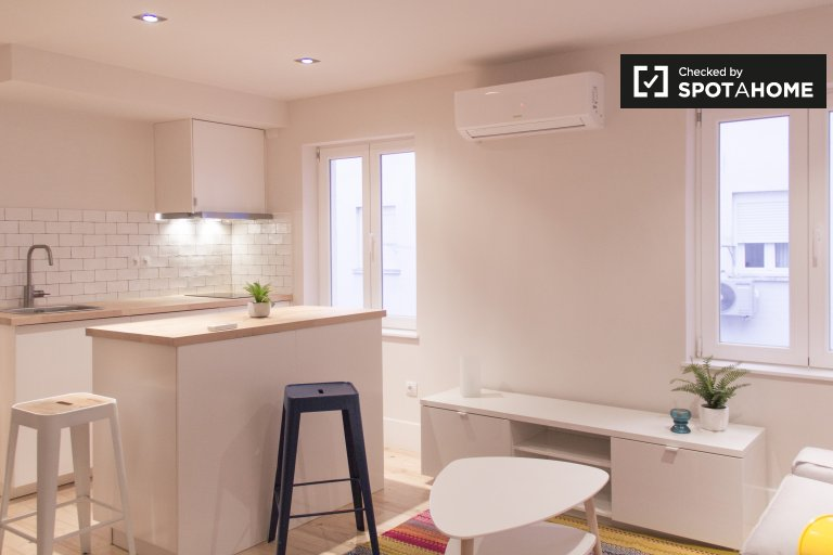 Moderno apartamento de 1 dormitorio en alquiler en Aluche, Madrid