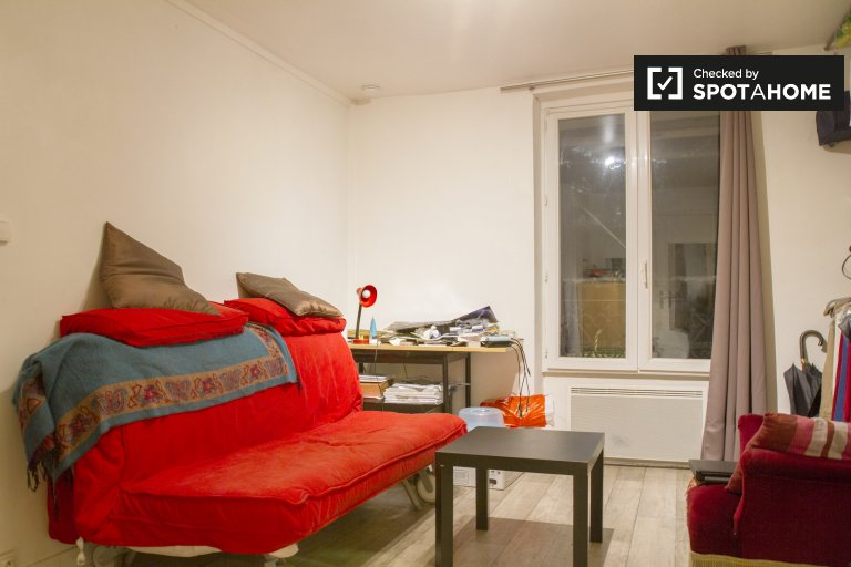 Studio apartment for rent in Paris's 18th district