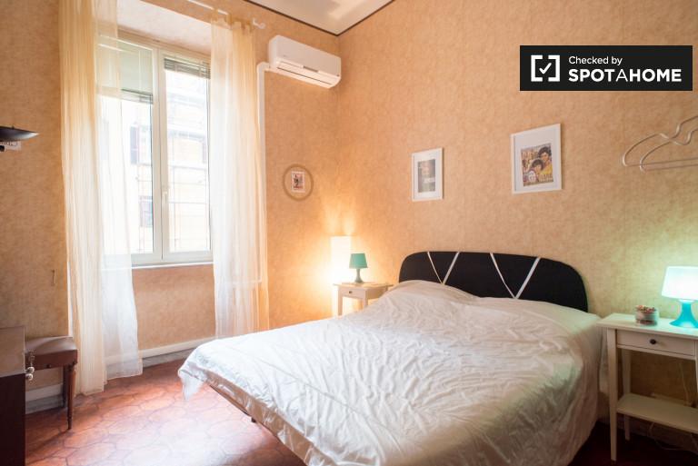 Buona camera in appartamento nel centro di Roma