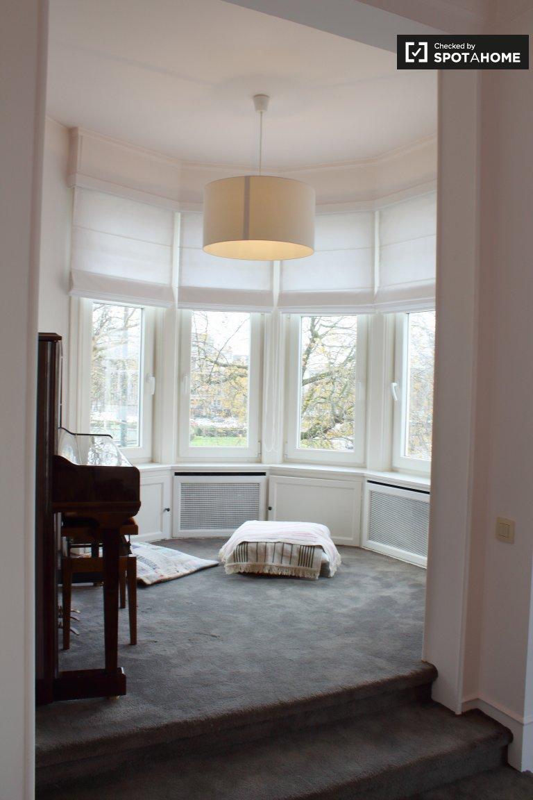 Woluwe-Saint-Pierre'de kiralık 3 yatak odalı geniş daire